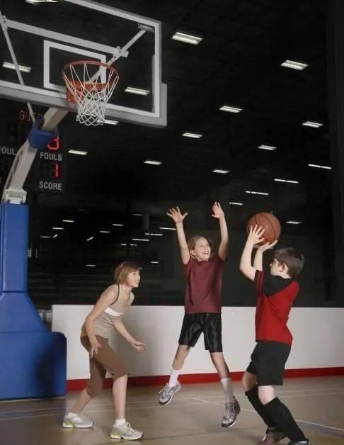 谱写你的篮球篇章——捡起篮球,续写你的篮球梦_比赛