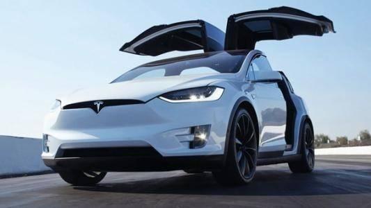 马斯克掀起了电动车热潮 但真正推动创新的不是