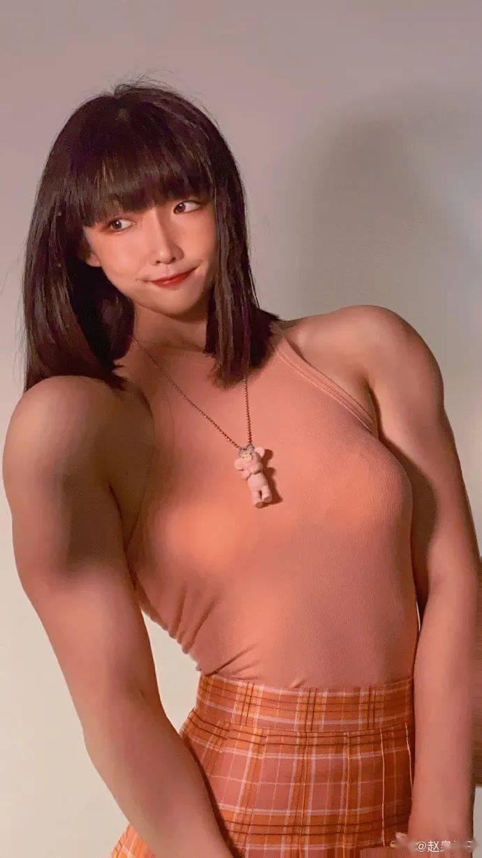 """""""萝莉芭比""""的反萌差!!这样""""肌肉满满""""的女孩子,你喜欢吗?_健身"""