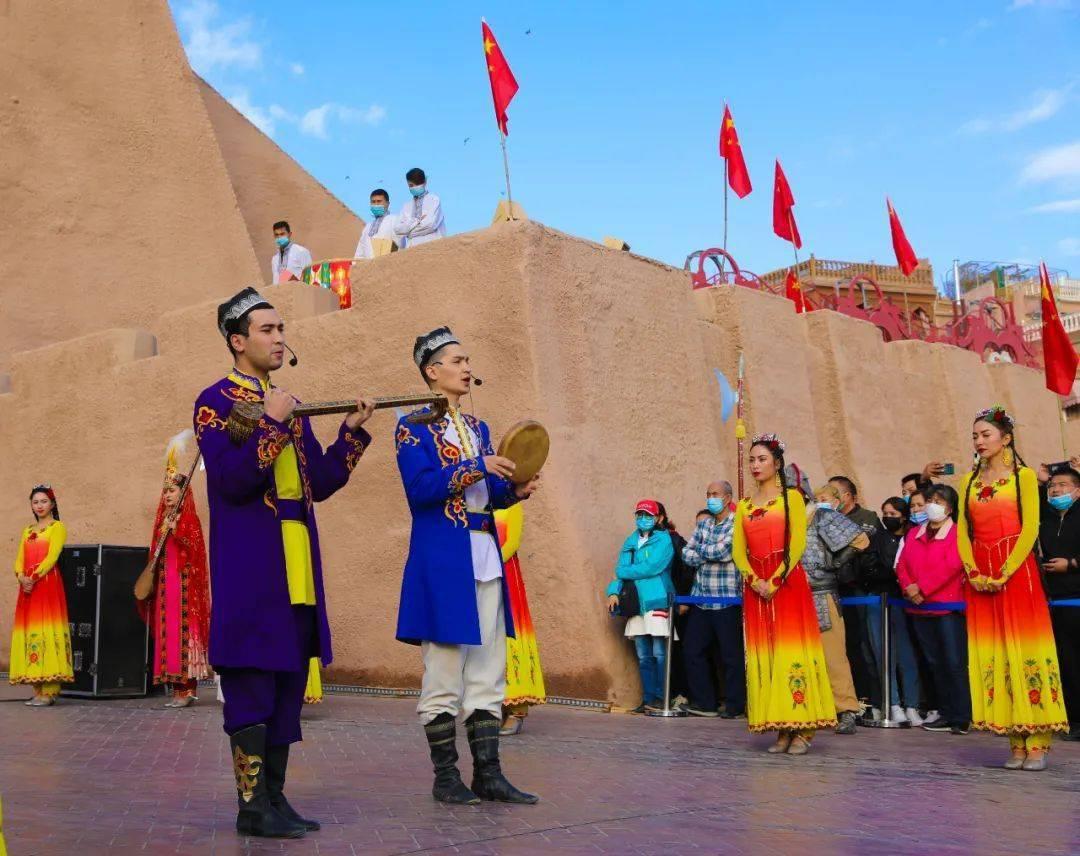 喀什古城这个地方,瞬间就爱上了。