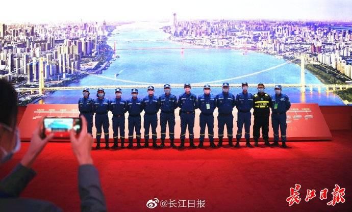 抗疫一线各方面代表首批观展,由衷感叹——中国真正做到了人民至上生命至上