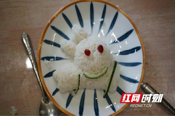 好玩又好吃!花样饭团DIY助幼儿养成珍惜粮食好习惯