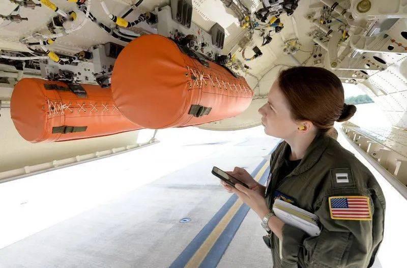 为救生艇插上翅膀,小谈各国空投式海空救援设备发展(英美篇)     第19张