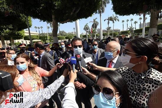 埃及大中小学校正式复课 各校严阵以待防疫情