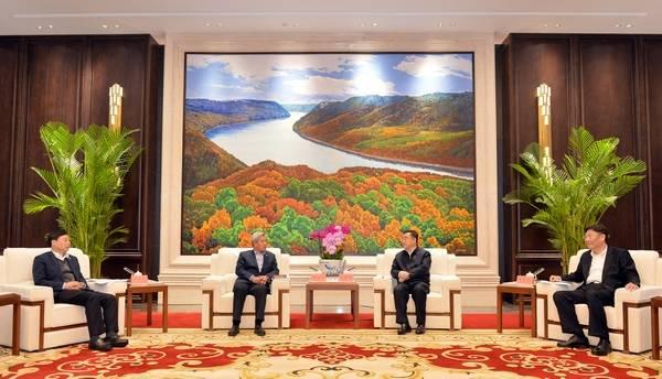 张庆伟王文涛会见中国航空工业集团有限公司董事长谭瑞松一行
