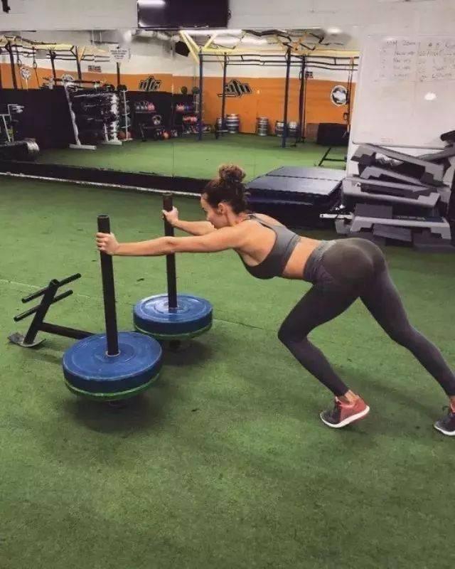改变命运的十个途径,第一个就是锻炼身体