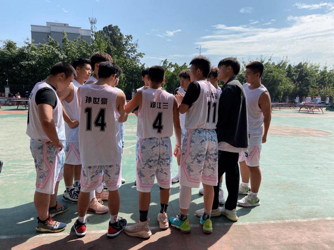篮球赛首战告捷!_胜利