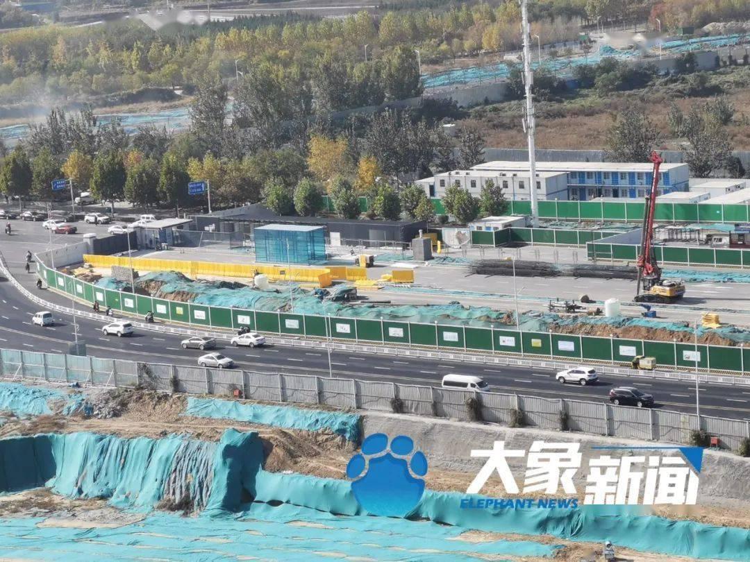 百事3注册突发!郑州地铁7号线施工现场塌方,一名工人疑似被埋