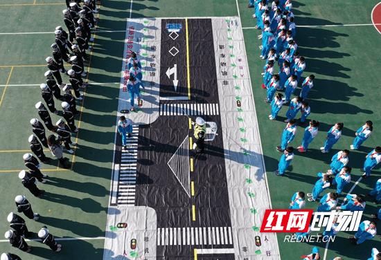 张家界武陵源:冬季交通安全宣传进学校