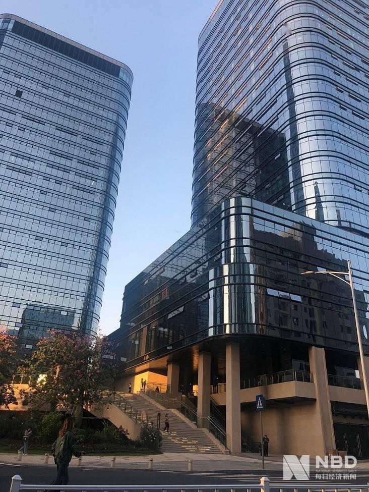 荣耀独立后将搬到深圳上梅林?供应商:这边确有荣耀员工