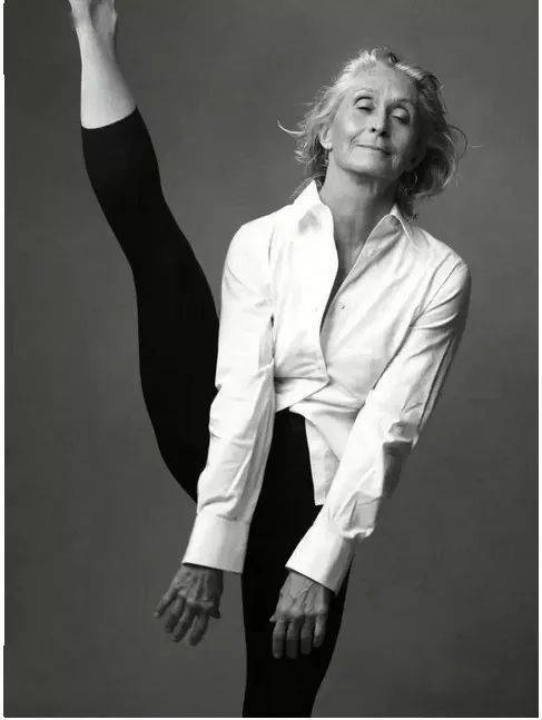 你见过 96 岁的瑜伽少女吗?这个女人震惊了全世界!