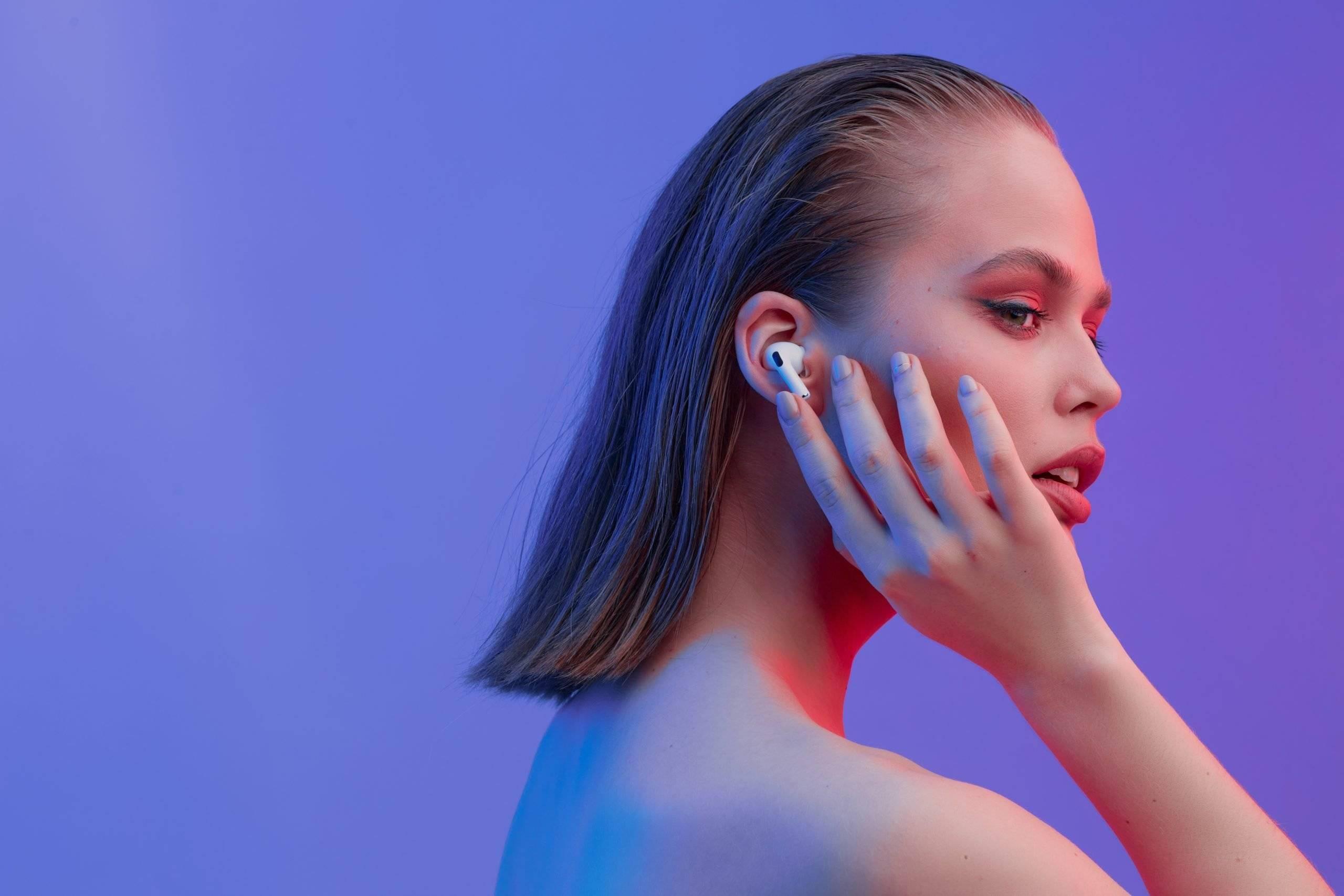 AirPods 之后,未来的耳机可能是「无形」的