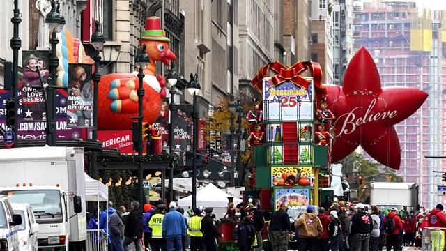 美国感恩节假期出行热情高涨,卫生专家担心节后