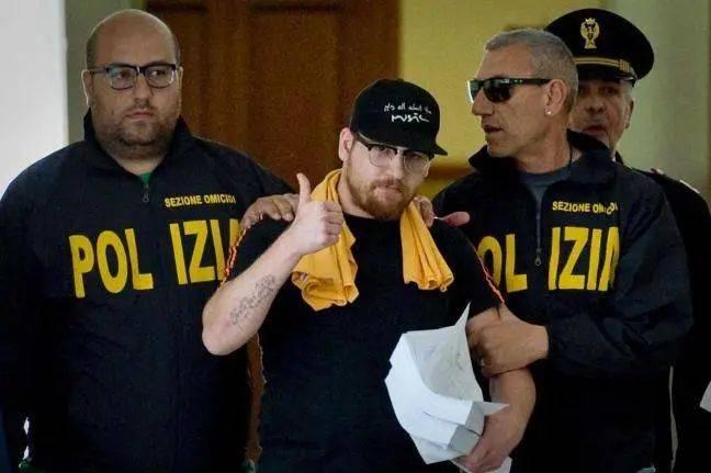 2014年,23岁的黑手党青年教父 Mario Riccio被意大利警方抓获,被指控犯贩毒罪和涉嫌多起凶杀案。