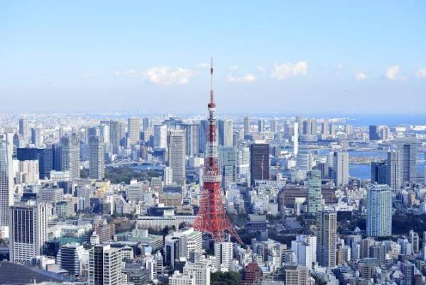 为了保证2021年夏天,大批外国游客能方便入境日本,日本政府表示,正考虑2021年春天解除部分入境限制,允许外国旅行团访日,以试验在2021年夏天举办东京奥运期间,开放大量旅客访日时的措施和安排.