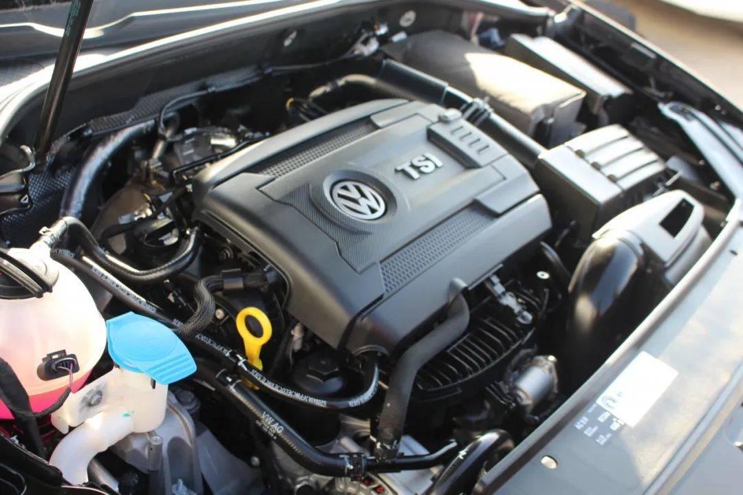为什么有的车型发动机一模一样,价格却相差几万?