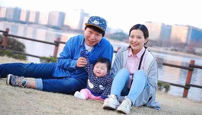 每月给30万韩元,为解决低生育率韩国政府推重奖