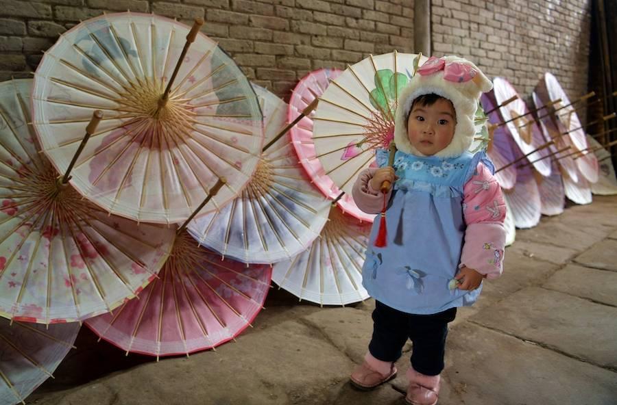 """一个叫做""""分水岭""""的小镇,藏着关于油纸伞的故事"""