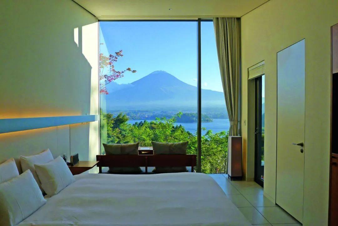在富士山脚下,感受旅馆里的魅力露营