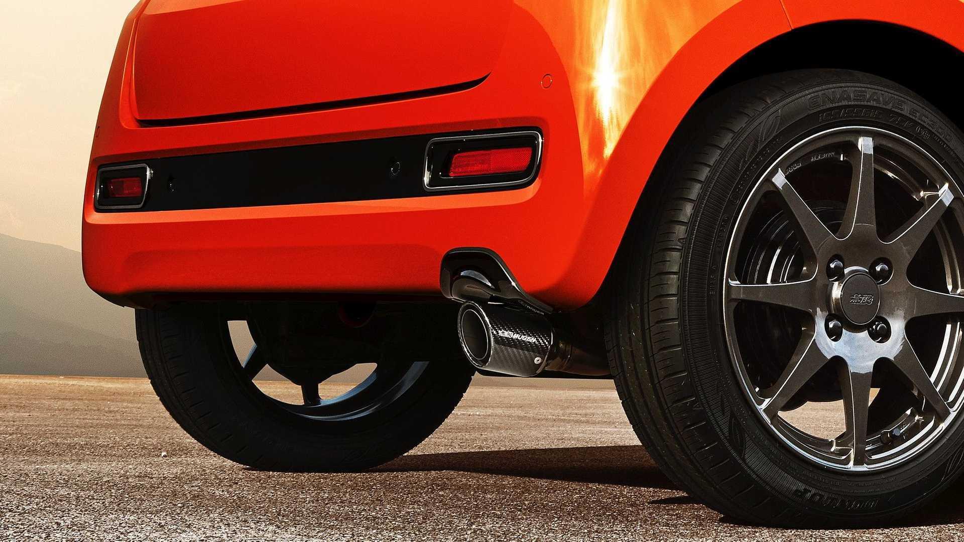 本田穆根(Honda Mugen)推出了N-one性能套件,以升级其外观,并配备了锻造车轮