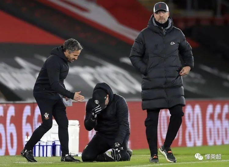 击败利物浦,圣徒主帅跪地飙泪
