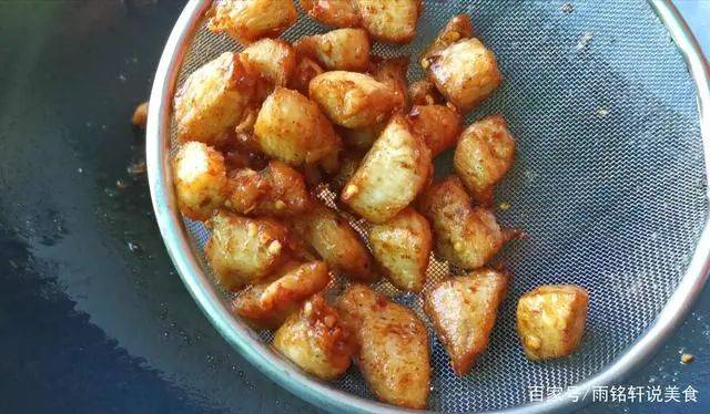 鸡胸肉这样做百吃不厌,麻辣入味,外酥里嫩  第9张