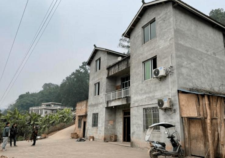 泸州一幼儿教师和同学在学校宿舍疑因煤气中毒,不幸身亡