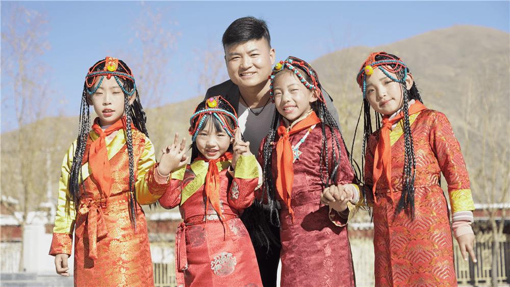 韩龙:用音乐点亮幸福生活