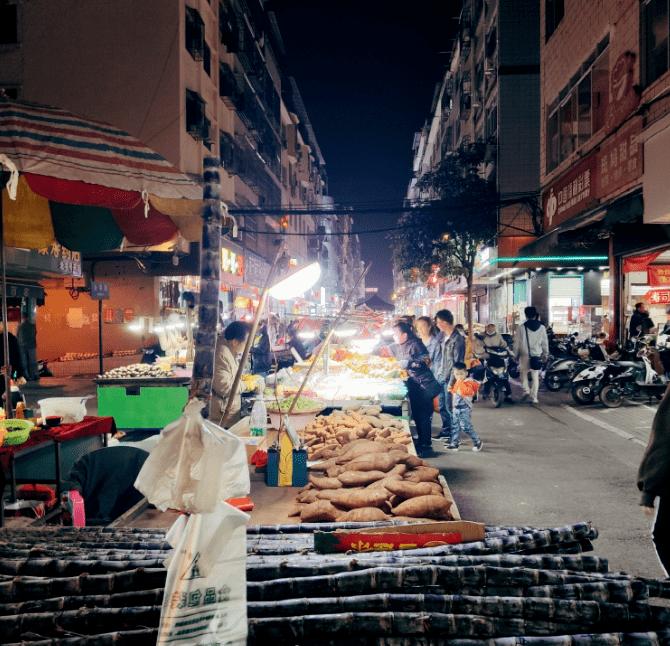 南宁这些美食街也太棒了,一晚上根本没办法从头吃到尾!