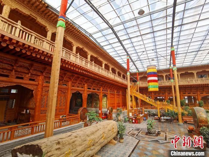 """青海一""""藏家大院""""被认证为""""世界最大的木结构四合院"""""""