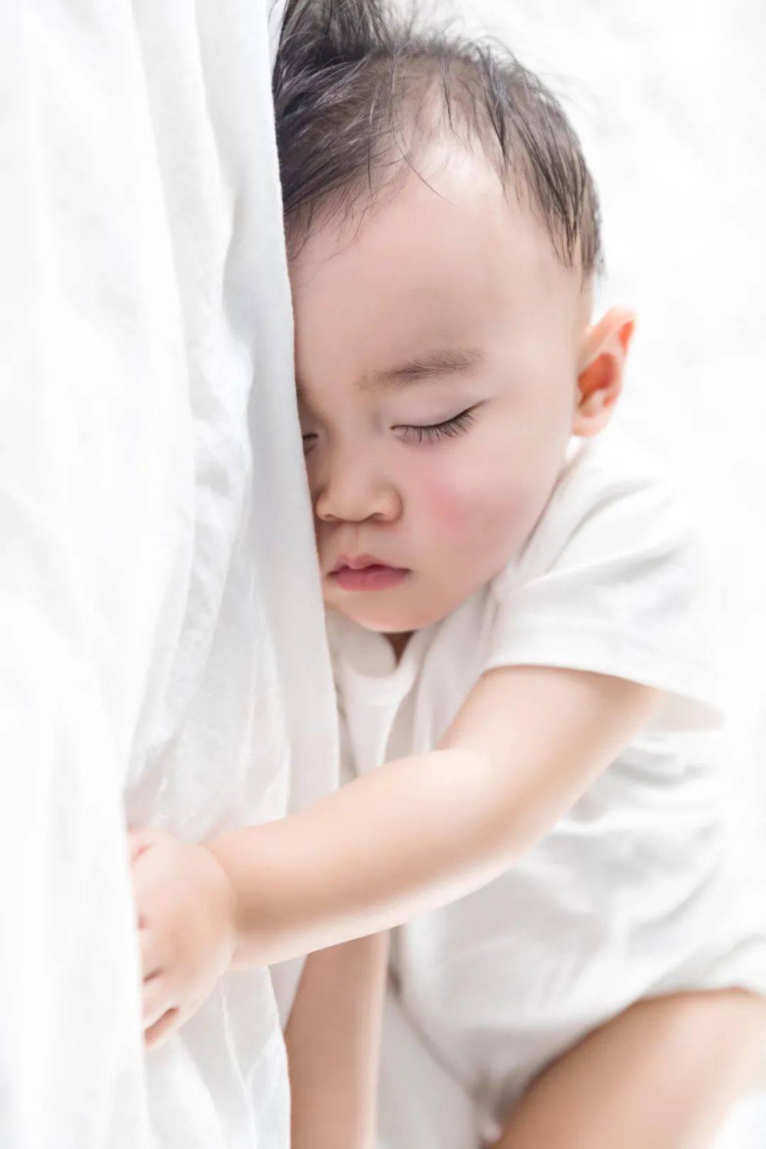 宝宝睡不安稳、入睡困难,原因大排查  第8张