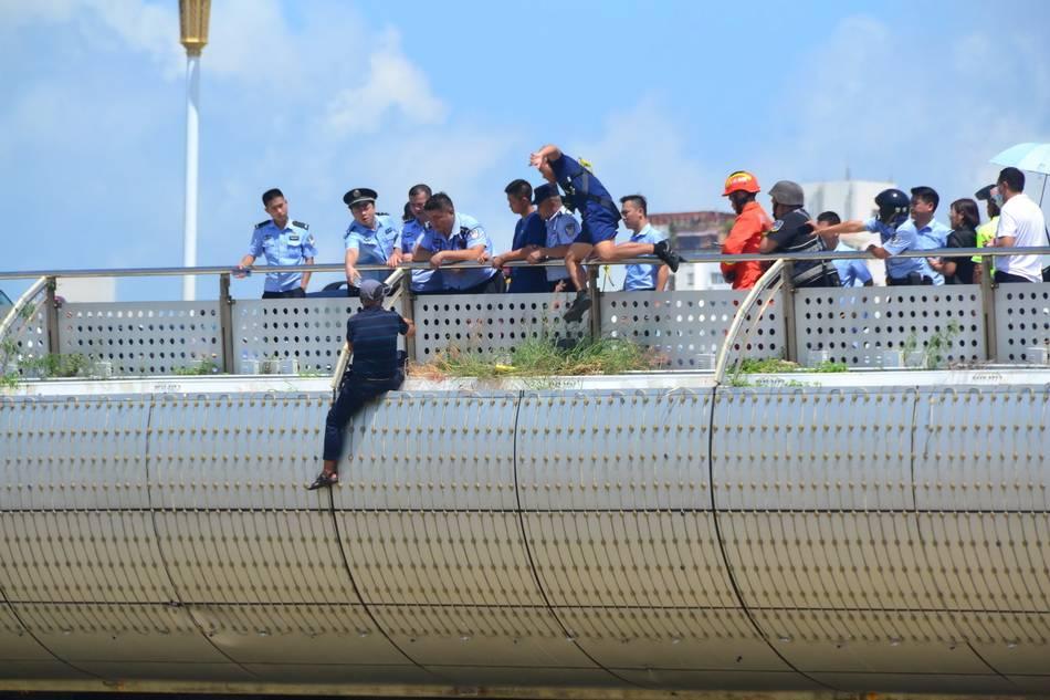 110警察节 今天,致敬忠诚与正义的人民卫士!