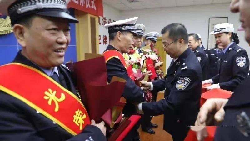 节日,你就是主角!鹤壁交警开展系列活动庆祝首个中国人民警察节