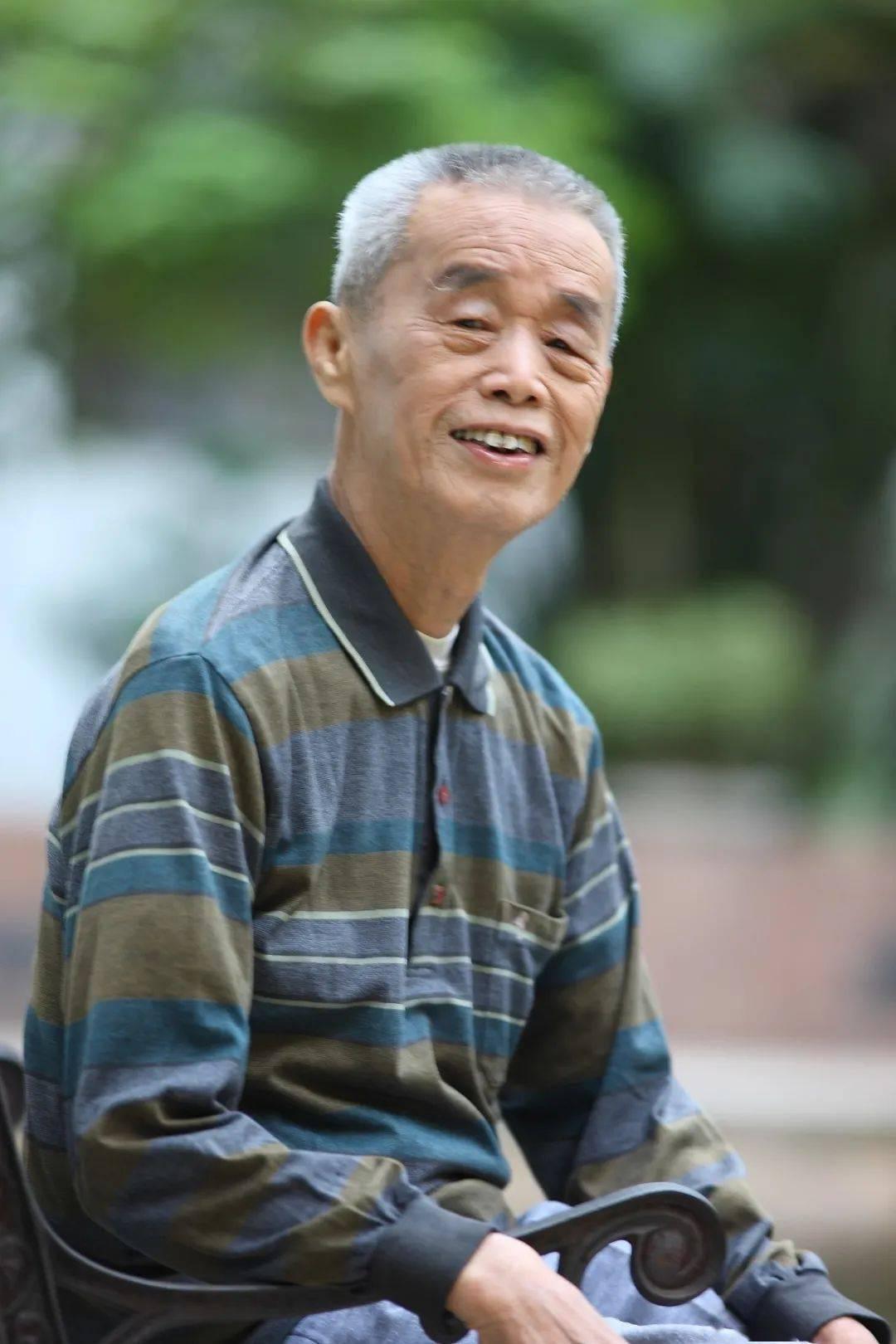悼念华府体育系老师黄征