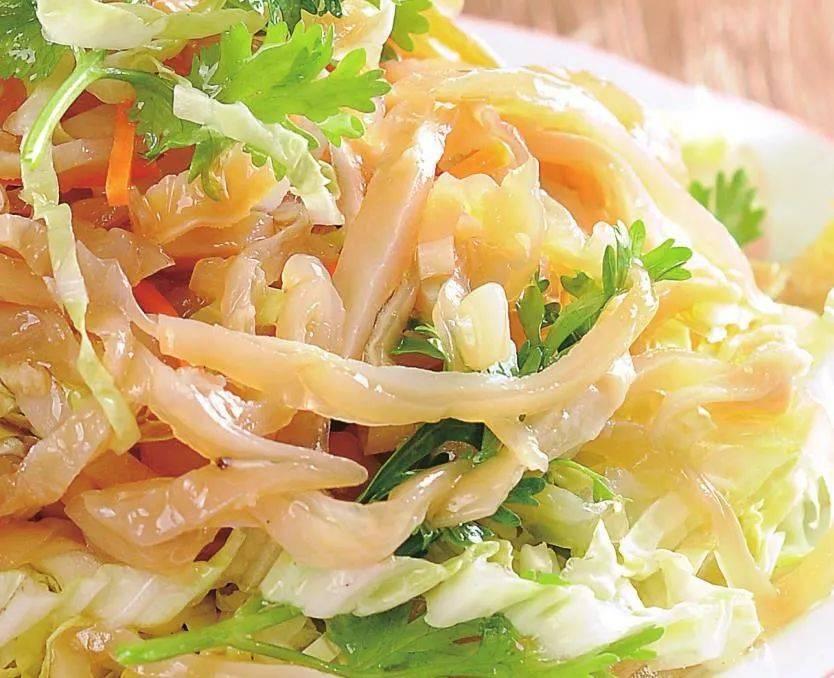 冬天这菜最鲜,加点海鲜拌一拌,清口爽脆,下饭又解腻