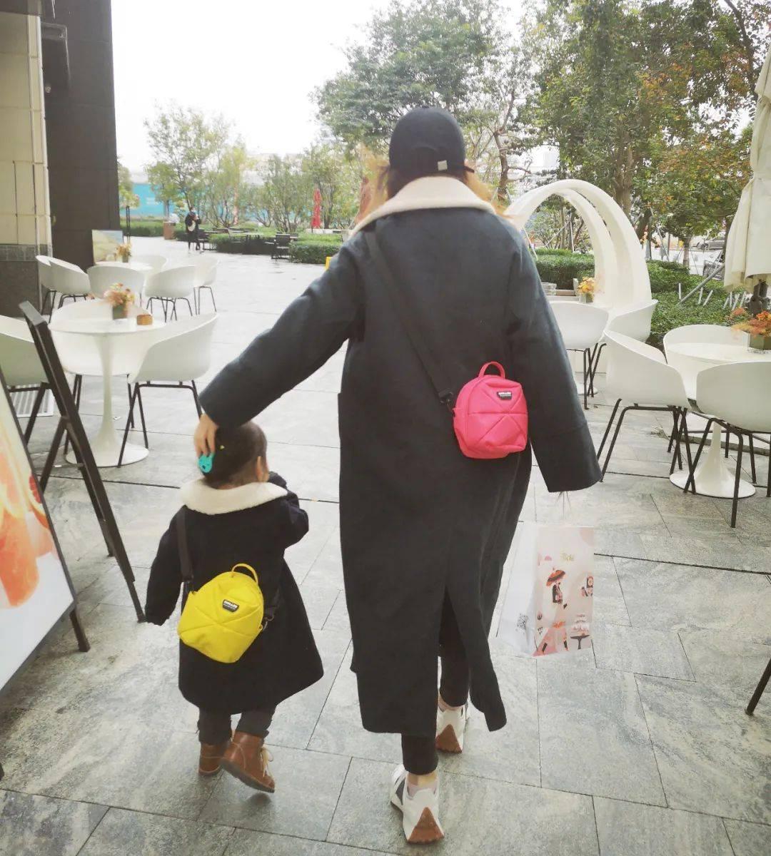 巴掌大小的南瓜包,轻便能装,宝宝大人都能背