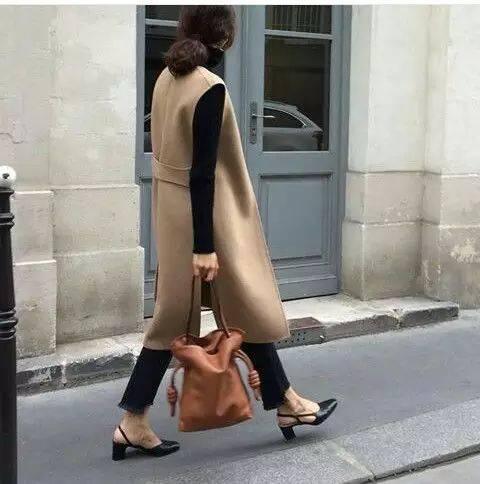 马甲+长裙,超模身材都是穿出来的!