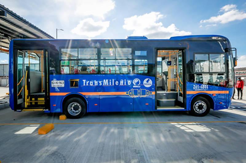 出口超千台 比亚迪获海外最大纯电动巴士订单_首都