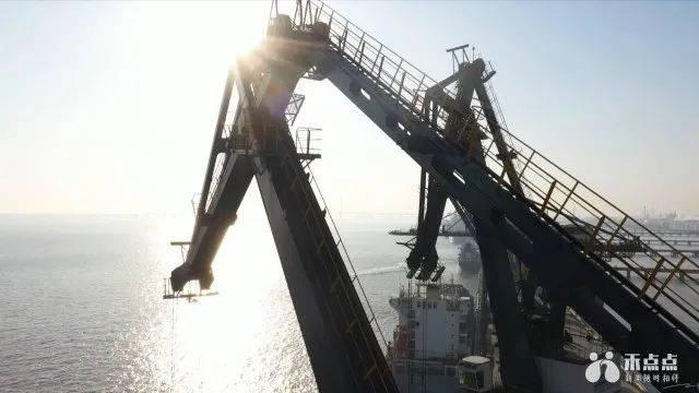 不平凡的2020!嘉兴港逆势上扬,全球百大港口排名上升五位