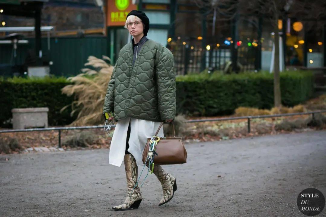 冬天怕冷又想避免臃肿,盘下夹克就OK!