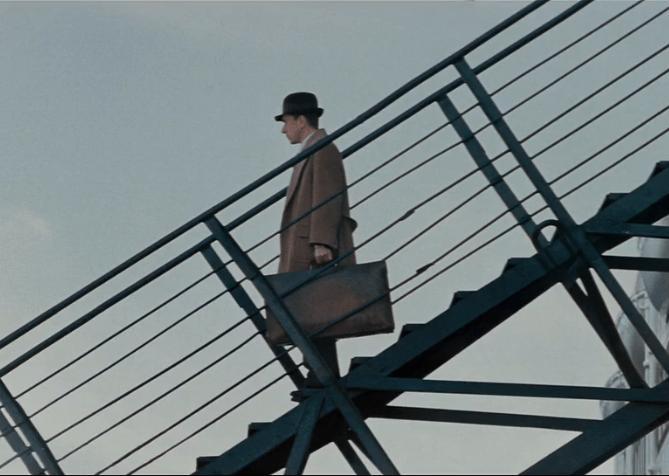《海上钢琴师》:主人公一生都没能踏上陆地,是懦弱,还是坚守?