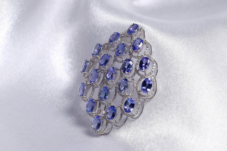 坦桑石怎么样?坦桑石和蓝宝石的区别