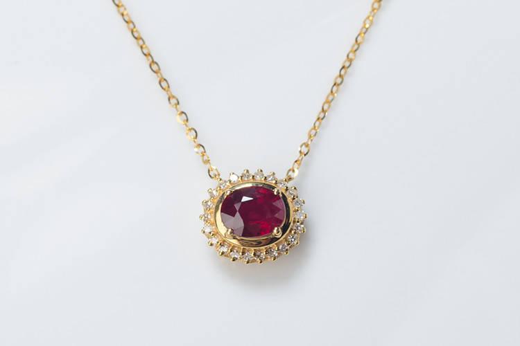 就要玉珠宝:红宝石和蓝宝石的区别?怎么区分红蓝宝石