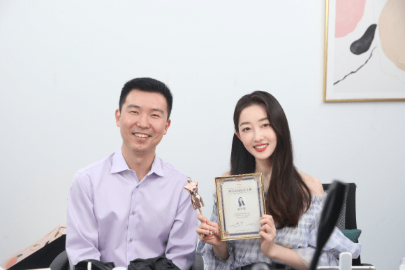 蒋梦婕担任蘑菇街首席明星主播,私用护肤好物大公开