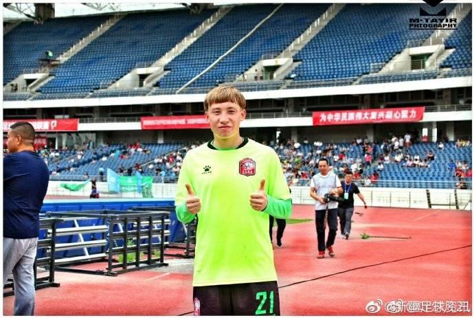 新疆籍球员叶尔凡江自曝加盟重庆 晒出身穿队服照片