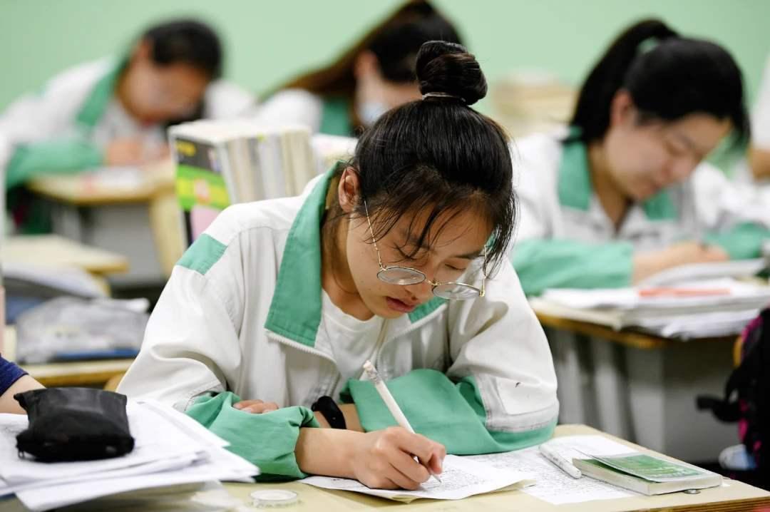 [教育 高考資訊]考場突發問題應對26計,轉給身邊即將高考嘅高三生! ...