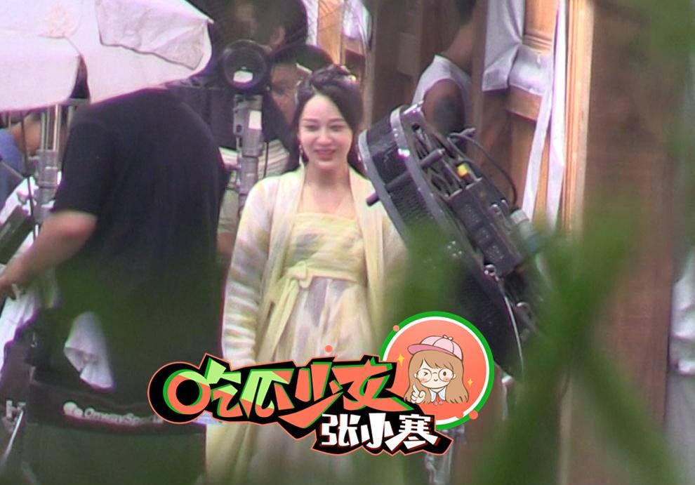 Dương Tử cười phớ lớ giữa phim trường, thái độ đáng chú ý sau tin đồn được Ngô Diệc Phàm yêu thầm - ảnh 6