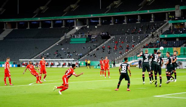 半场-阿拉巴任意球破门格纳布里建功 拜仁2-0药厂