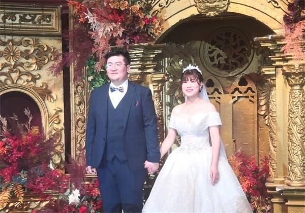 淮安:鲁斌、蔡汝云婚礼现场一片吉祥中国红