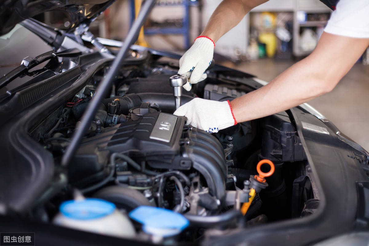 清洗发动机多少钱(行驶多少公里需要清洗发动机)插图(1)